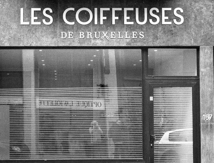 Les Coiffeuses De Bruxelles Le Premier Salon De Coiffure De Coworking Ouvre Ses Portes Salon De Coiffure Coiffeur Deco Salon De Coiffure