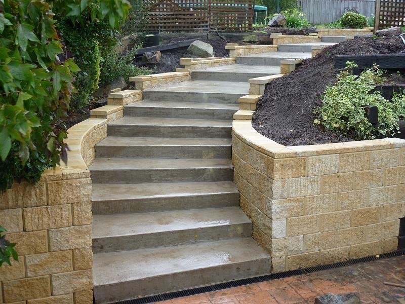 Concrete Exterior Stairs Using Menards Retaining Wall Blocks Betonblockgarten Concrete Exterior Stairs Using Mena In 2020 Concrete Backyard Garden Stairs Patio Stairs