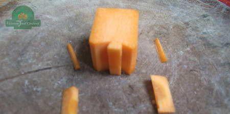 Tỉa lá tròn từ cà rốt