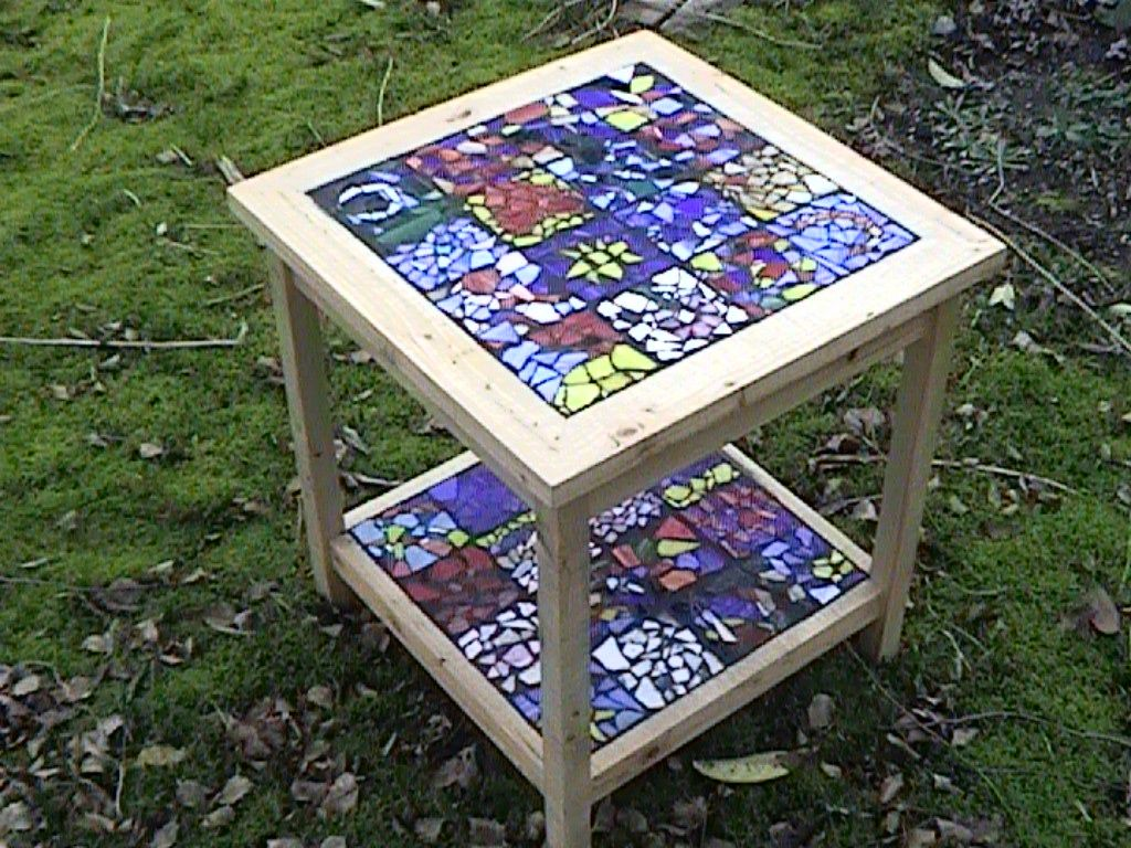 High Quality Mosaic Stained Glass And Wood End Table   For Up To 32 Artists