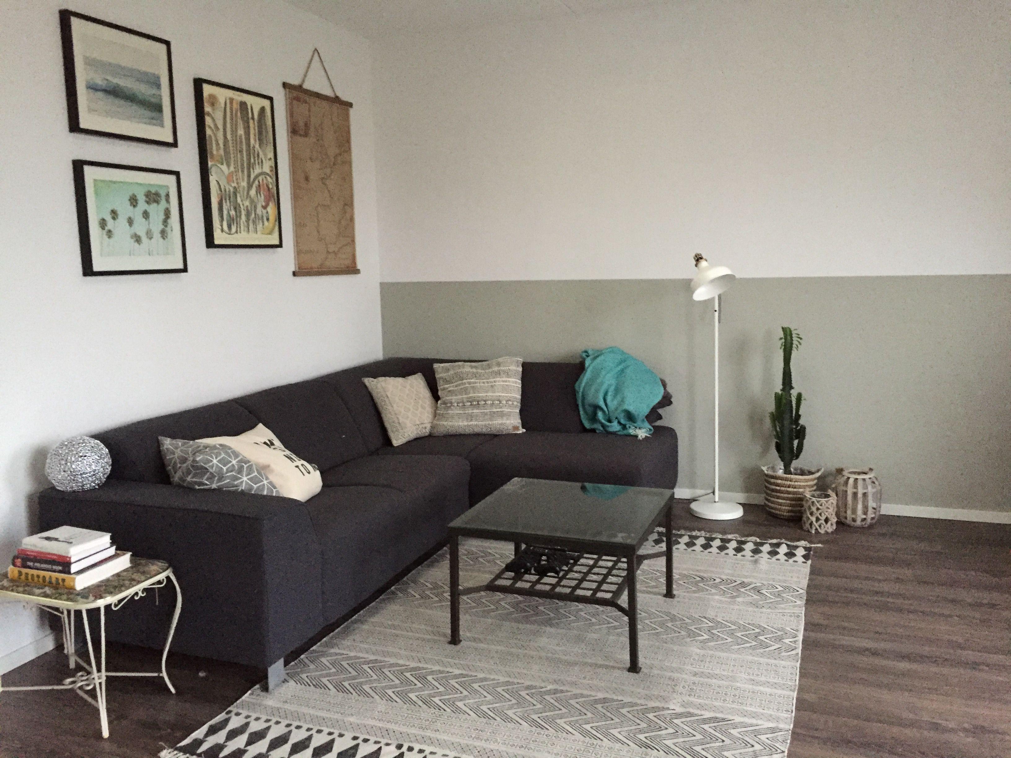 living room woonkamer leenbakker ikea sissyboy planten cactus intratuin tafel glas bank antraciet house doctor vloerkleed kiezelgrijs muur