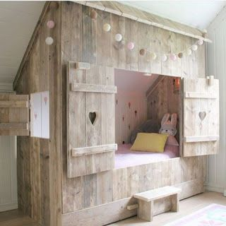 Cottage Style Enclosed Bed Made From Pallets Hideaway