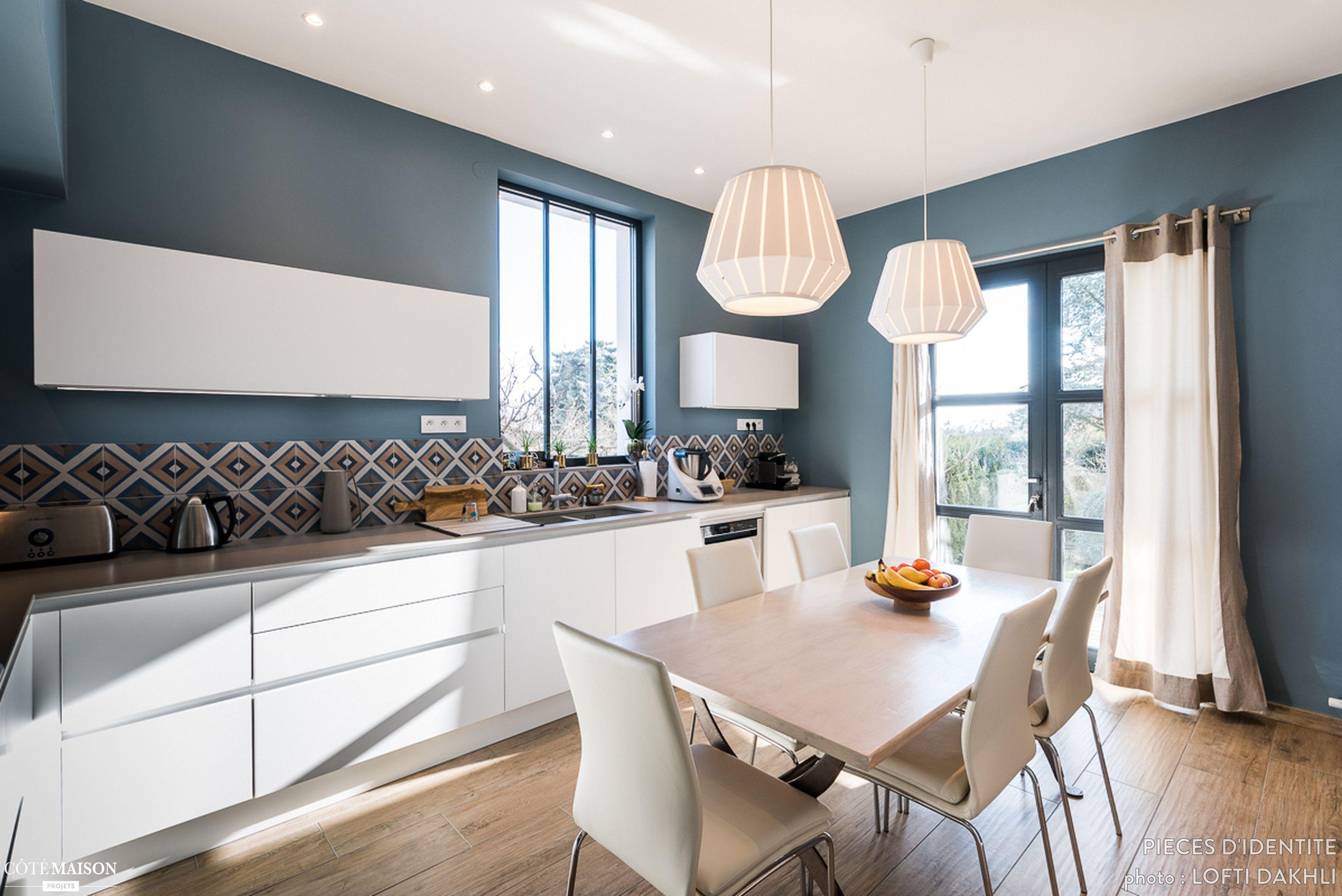 Rénovation cuisine contemporaine et douce dans maison bourgeoise
