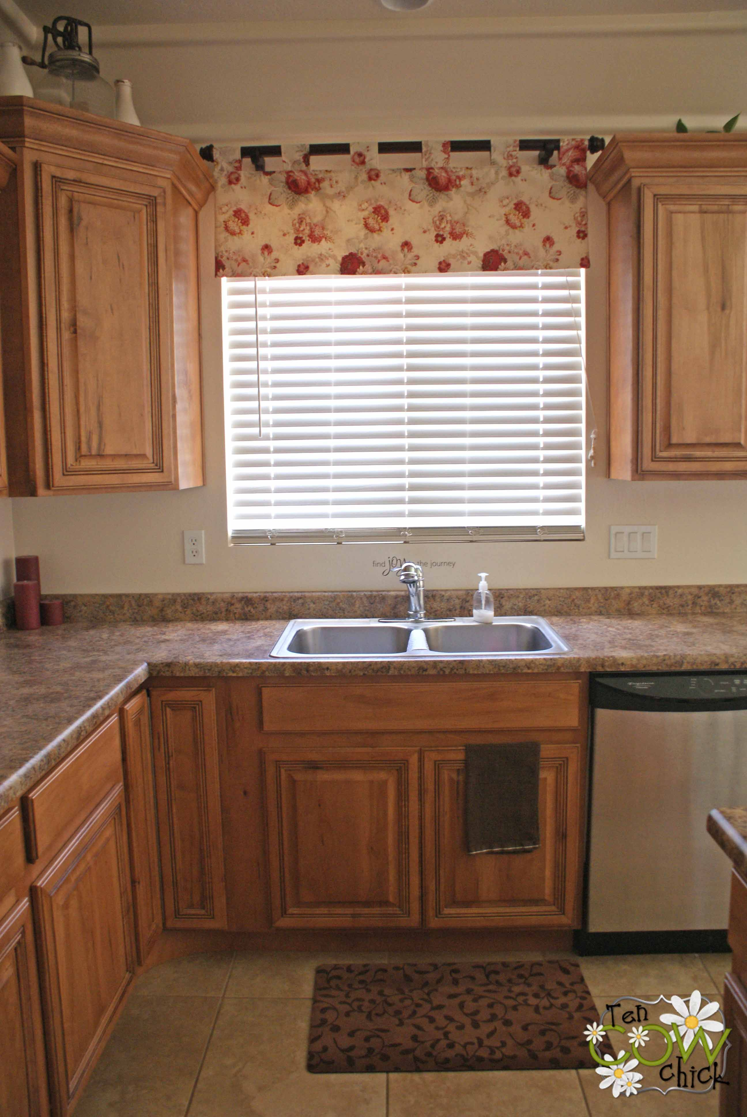 Curtains For Kitchen Window Above Sink Part - 29: Nice Mini White Hanging Blinds On Outside Mount With Simple Modern Curtain  For Kitchen Decoration