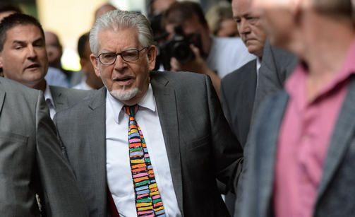 Harris tuomittiin yli viideksi vuodeksi vankilaan.