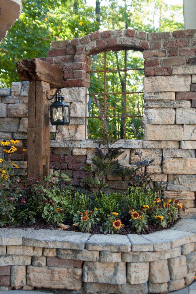 Fieldstone Garden Wall – Rosetta Belvedere