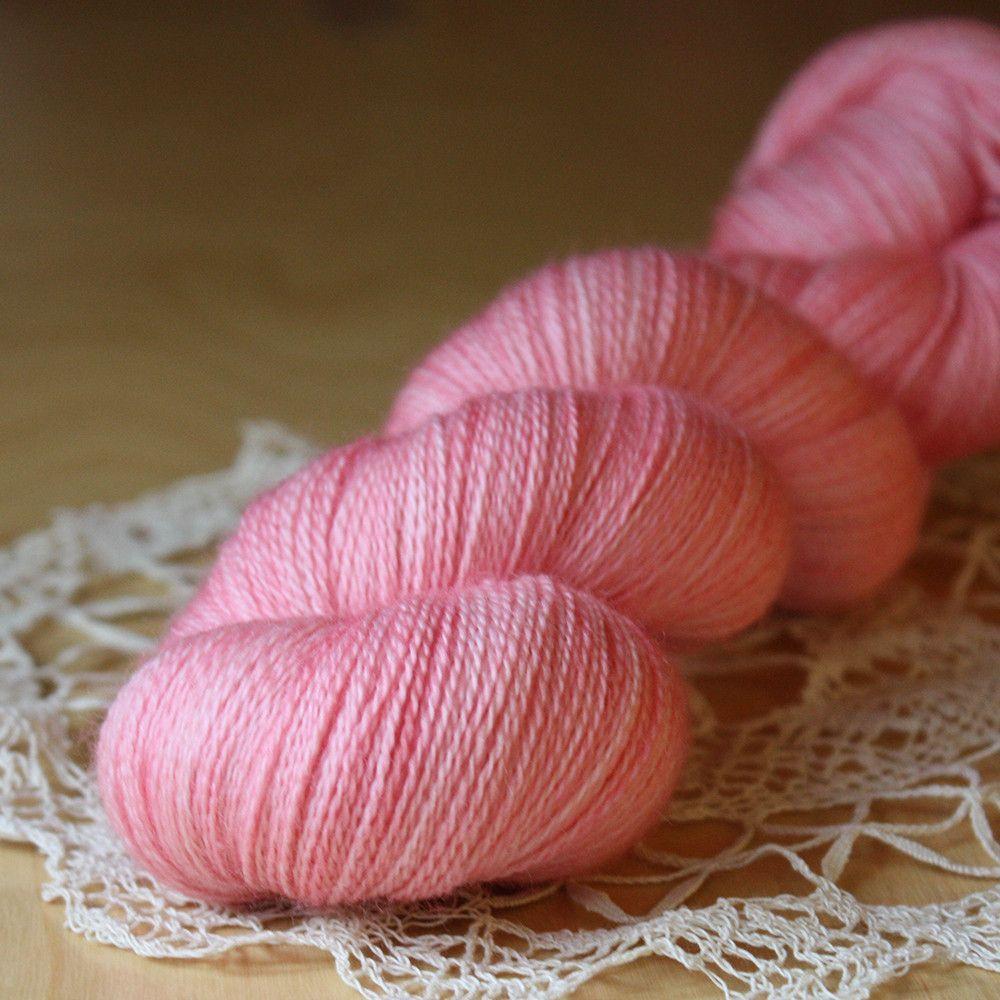 Beurre / Laceweight / Carnation Superwash Merino Wool