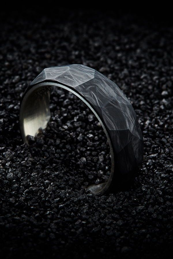 Men's Forged Carbon & Silver Faceted Wedding Band – 7mm