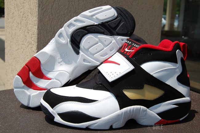 Nike Air Diamond Turf | Deion Sanders' Signature Shoe Back for 2010