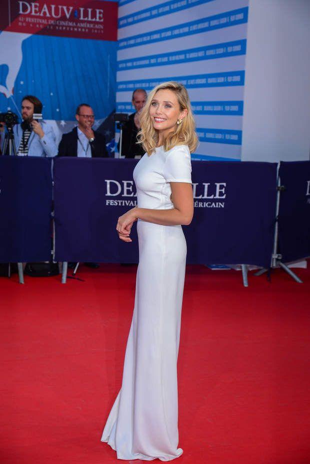 Elizabeth Olsen à son arrivée sur le tapis rouge200492 Arnal/Starface 2015-09-09 Deauville France 41st Deauville American Festival. Presentation of the film
