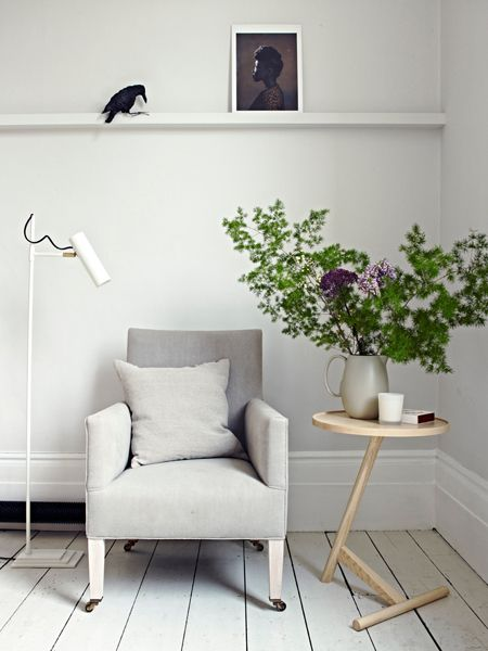 Autour d' un fauteuil   The Design Chaser: Stylist Laura Fulmine