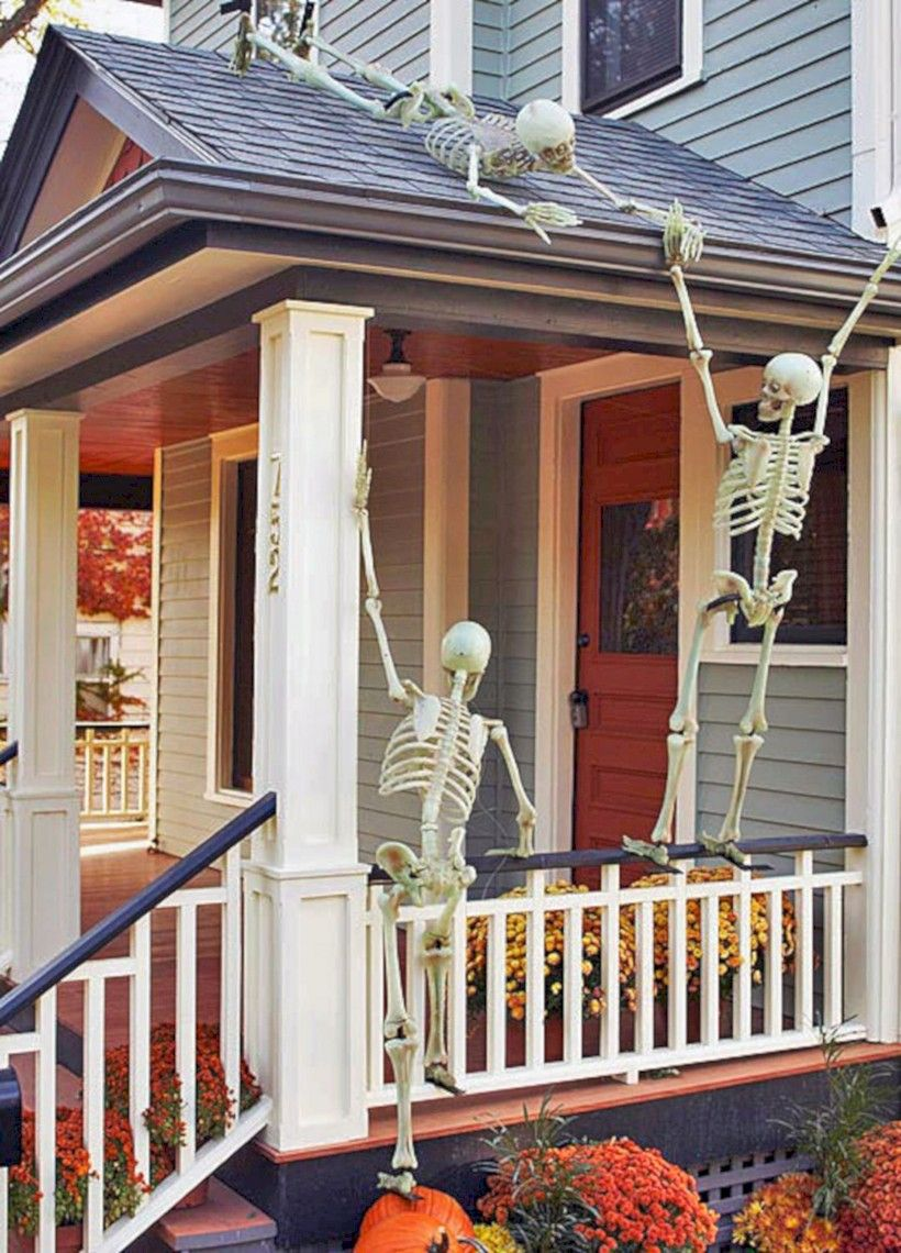 37 Creepy Halloween Front Porch Decoration Ideas - Halloween House Decorating Ideas Outside