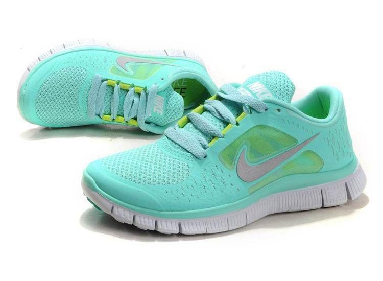 0234a66e245 Nike-3-Tropical-Twist-Silver-Pure-Platinum-Volt-05