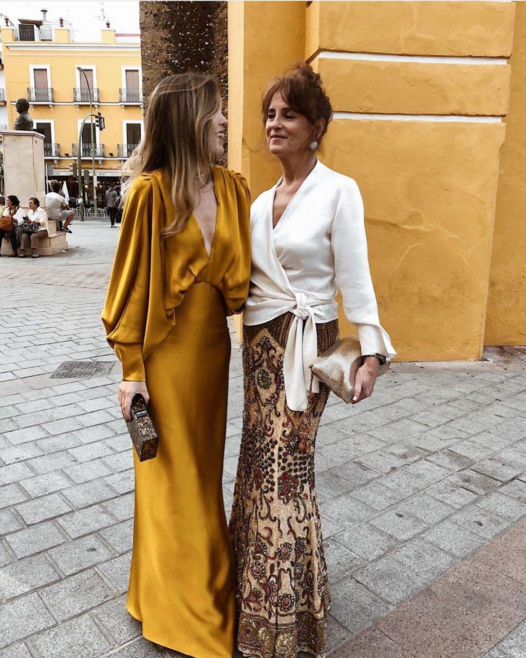 Invitada Ideal By Mariló On Instagram Invitadas Que Son Pura Elegancia Fald Vestido Invitada Boda Noche Vestidos Ceremonia Mujer Vestidos De Boda Invitadas