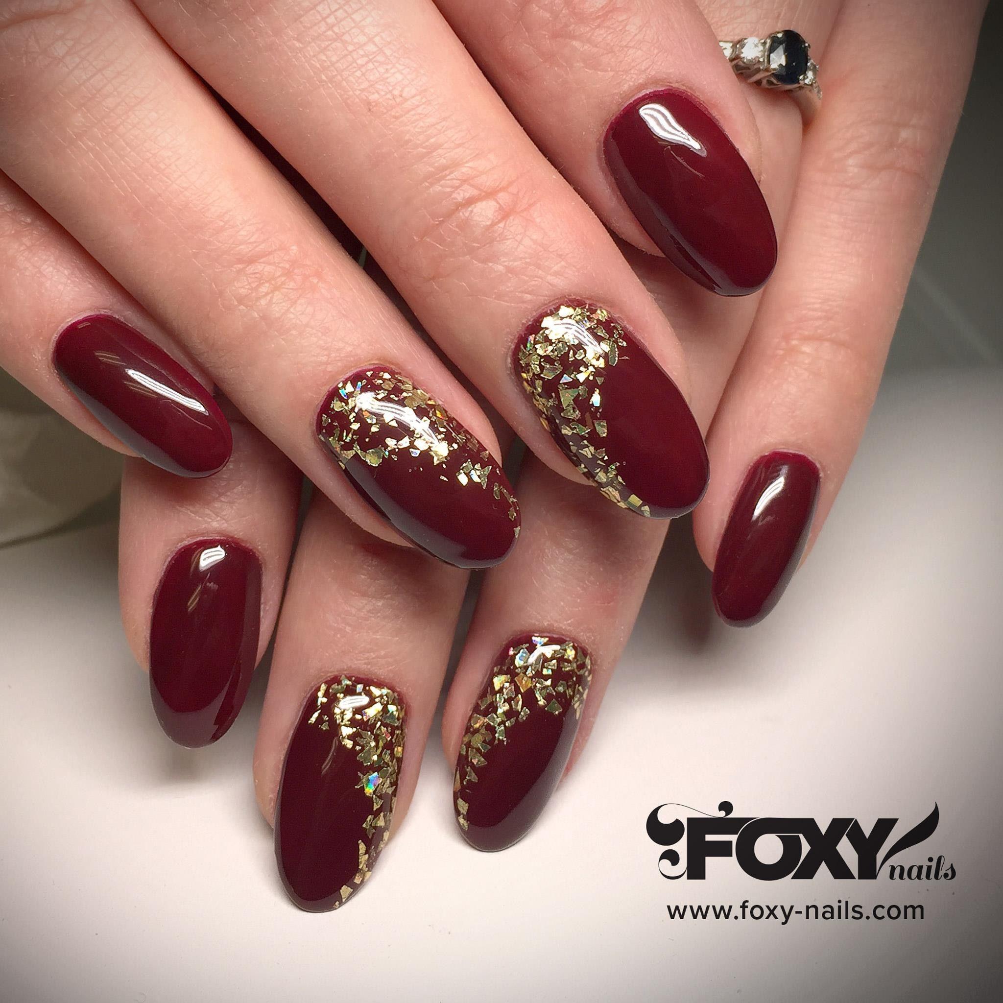 Pin By Olga Votrina On Nails By Foxy Gold Gel Nails Gel Nails Maroon Nails