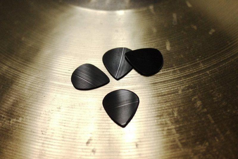 全手工訂製 黑膠唱片 吉他 貝斯 撥片 彈片 Pick (型號:Dunlop Jazz 3) - LUMDUMS   Pinkoi