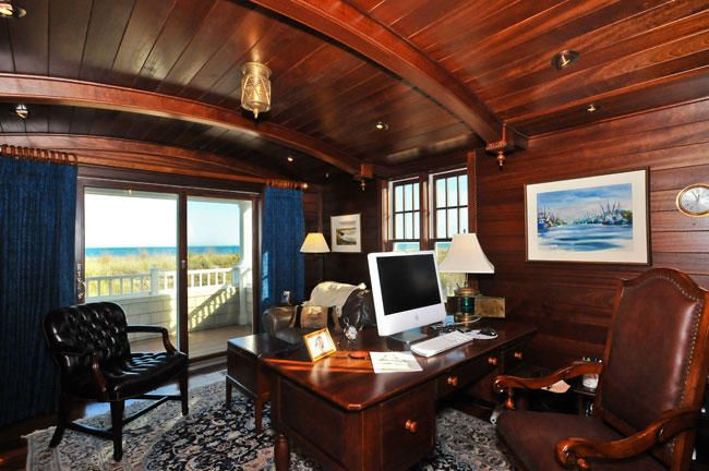 like an office in a ship!