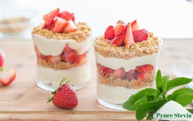 Cheesecake με φράουλες και Pyure Stevia σε ποτήρι! -   12 desserts Strawberry stevia ideas