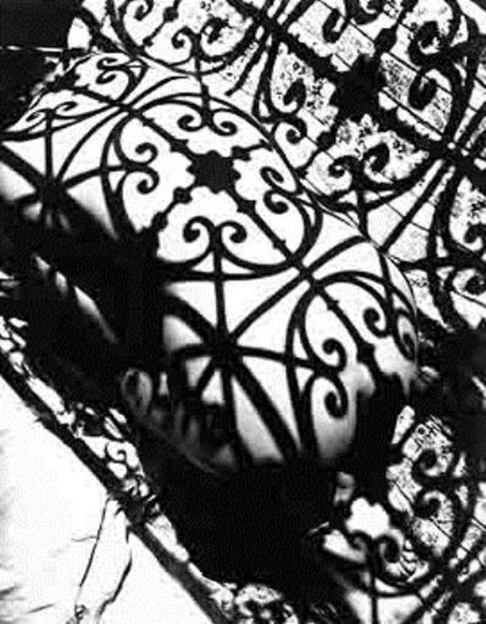 Fernand Fonssagrives (1910 - 2003) - Lisa at Negresco Balcony, 1949. S)