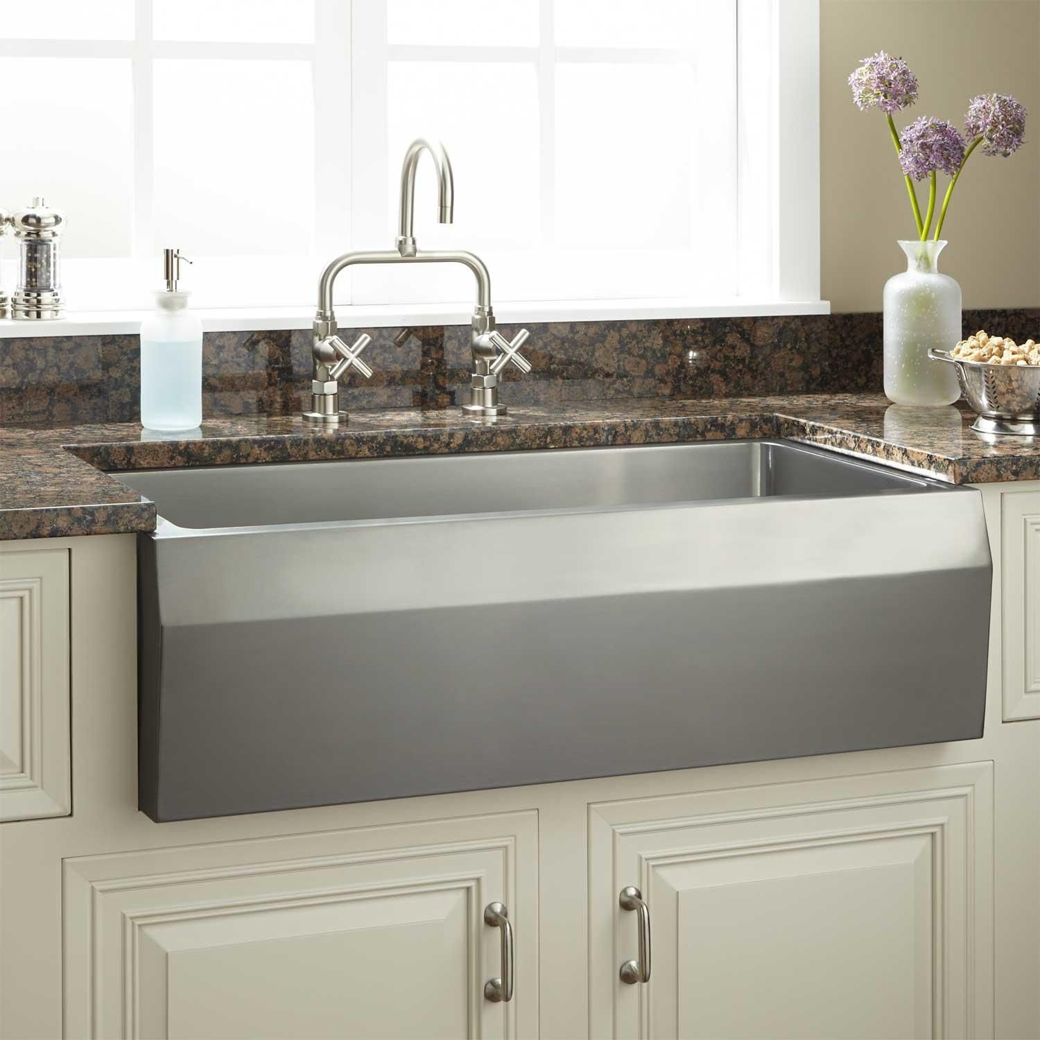 33 Kingsley Stainless Steel Farmhouse Sink In Beveled Apron