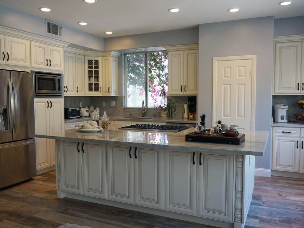 Home Depot Kuchenschranke American Classic Style American Cabinets Classic In 2020 Rustic Kitchen Cabinets Home Depot Kitchen White Kitchen Cabinets Diy