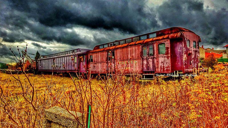 HDR Old train - Usson en Forez (Loire)