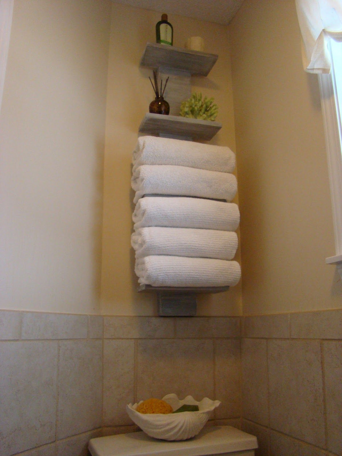 This Could Be Very Cutealternate Towels With Knickknacks For - Cute bath towel sets for small bathroom ideas