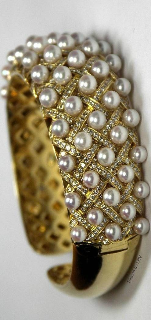 Designer Looking Pearl and Diamond Bracelet ~ Colette Le Mason @}-,-;---