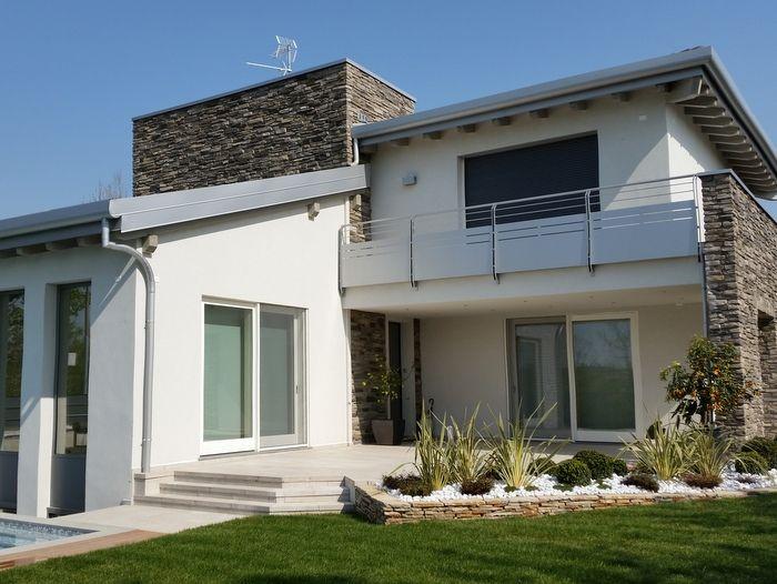 Casa in legno moderna con piscina la casa che vorrei in for Esterni case moderne