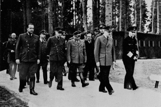Hitler Was Financed by the Federal Reserve and the Bank of England – aladdinsmiraclelamp