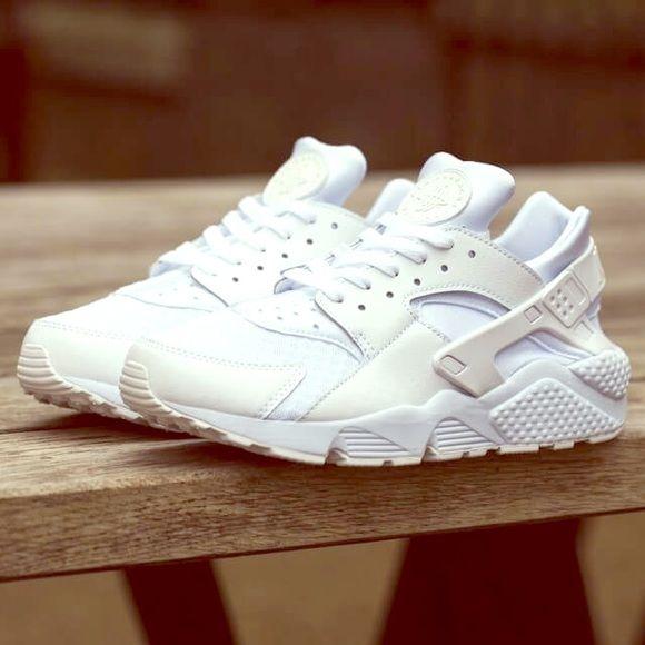 Triple White Nike Huarache | Huarache