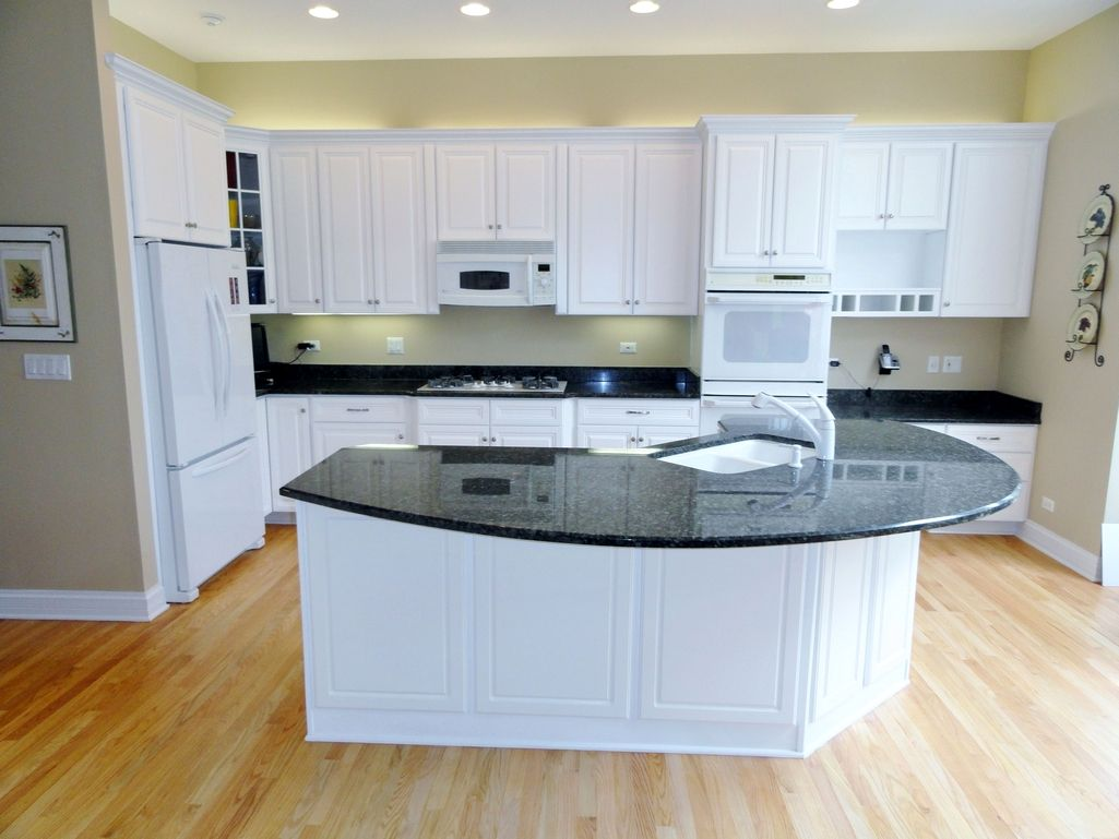 Best Painting Kitchen Cabinet Refinishing White Cost Painting 400 x 300