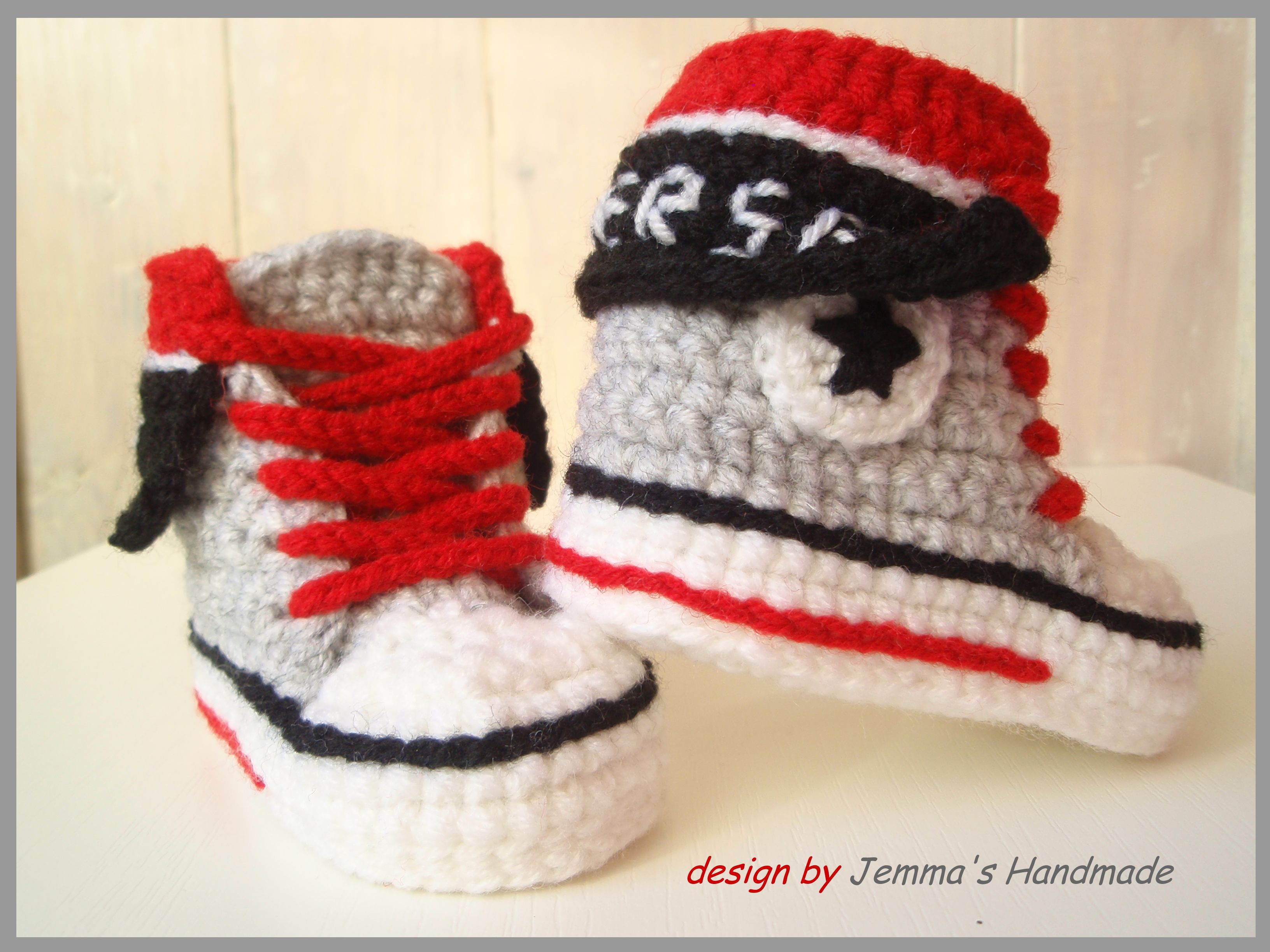 Crochet baby converse shoes by Jemma\'s Handmade | Baby crochet shoes ...