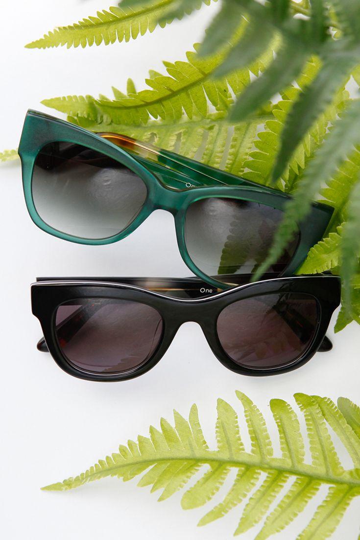 Black Coated Canvas Women\'s Avalon Slip-Ons | Gafas de sol, Toms y ...
