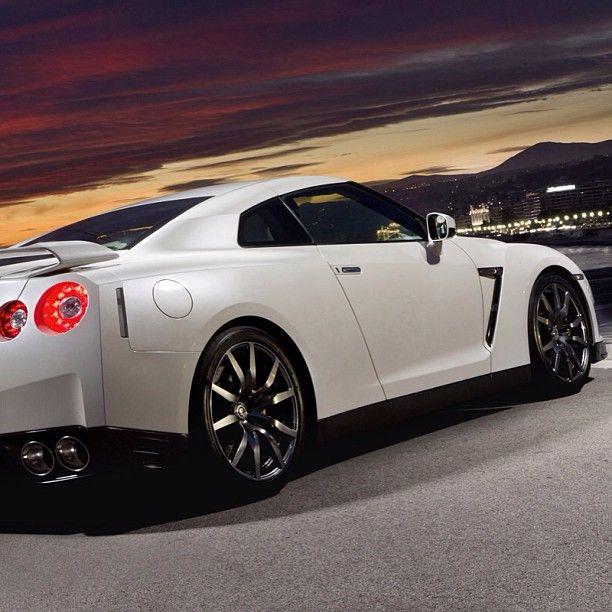 Stunning Nissan GTR | Luxury Lifestyle | Pinterest | Nissan, Cars ...