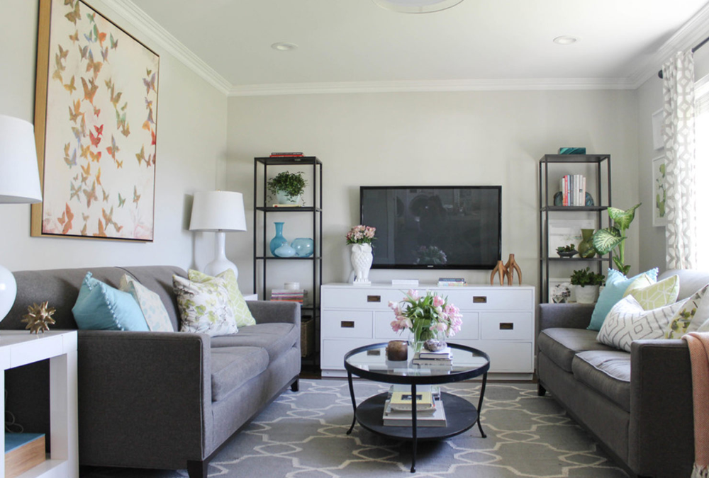 21 Ways To Decorate A Small Living Room And Create Space Idee Deco Petit Salon Amenagement Petit Salon Deco Petit Salon
