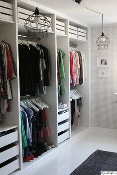 Awesome Walk In Clothes Closet