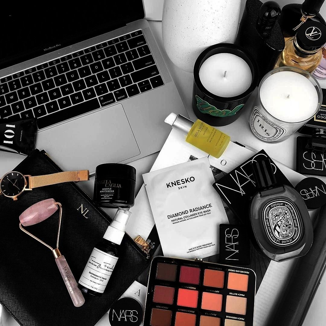 Luxe With Love Makeup beauty flatlayInstagram From Luxe With Love Makeup beauty flatlay random wallpaper  Tumblr dos and donts made easy landscape camera for...