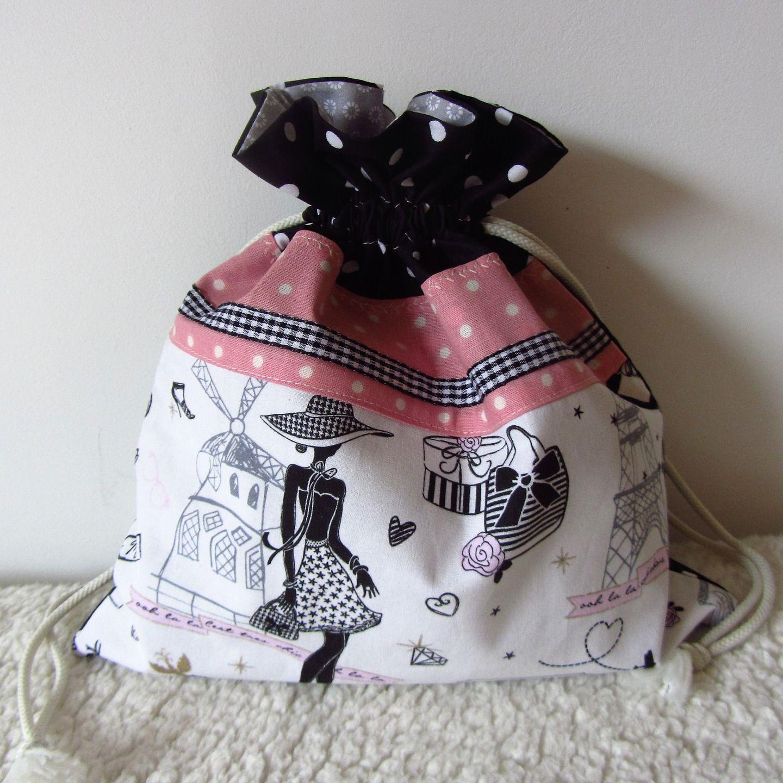 """Très Pochon pour lingerie, sac à linge """"la parisienne"""" N°9 en tissus  SO95"""