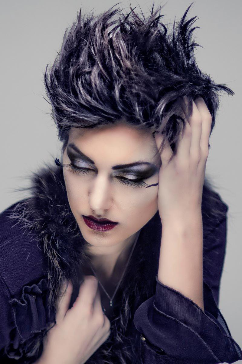 Kurze Punk Frisur Für Powerfrauen Freche Pfiffige Und Flippige