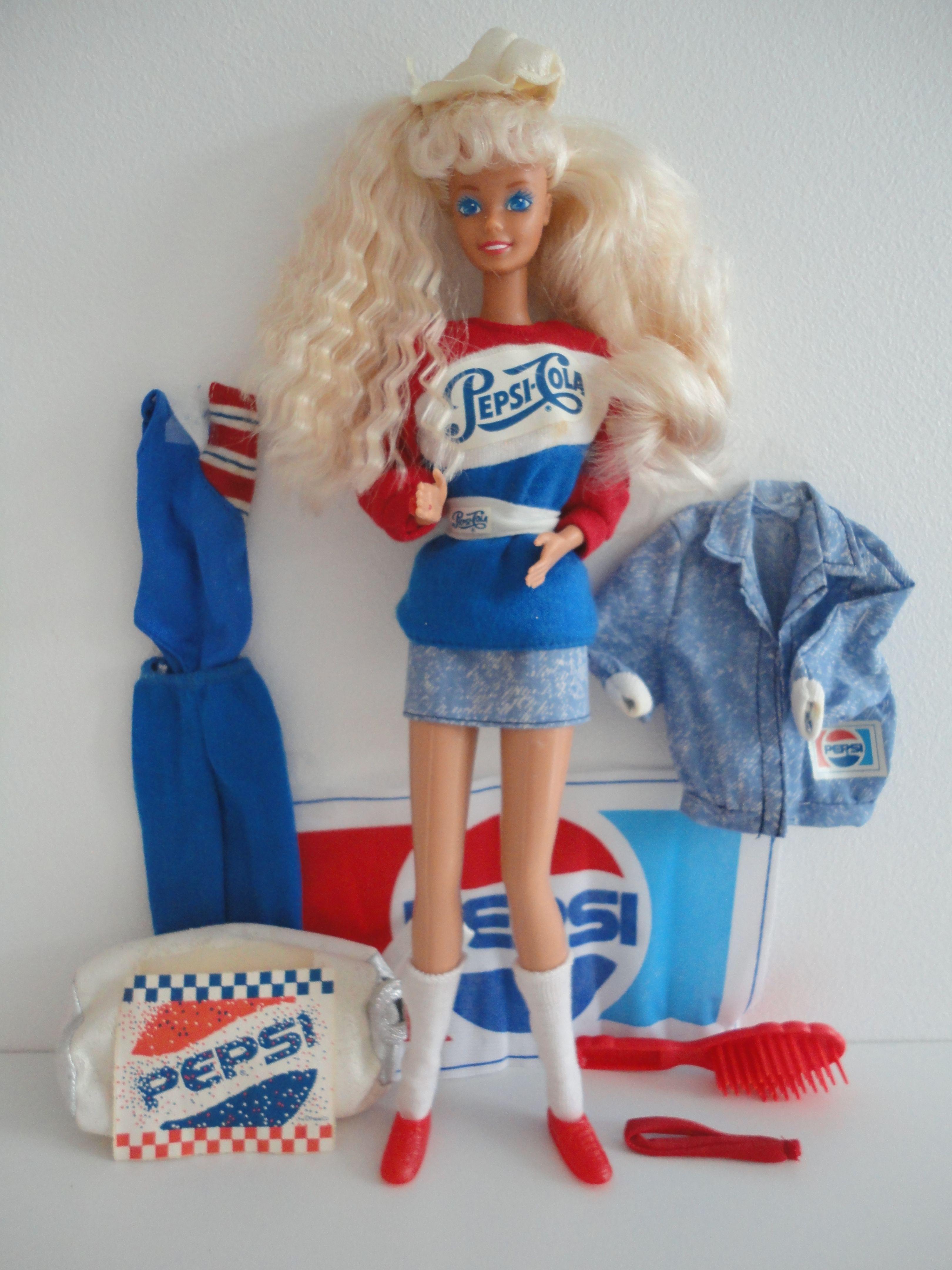 Barbie Pepsi Spirit Barbie Blond BD1989 4869 in 2020