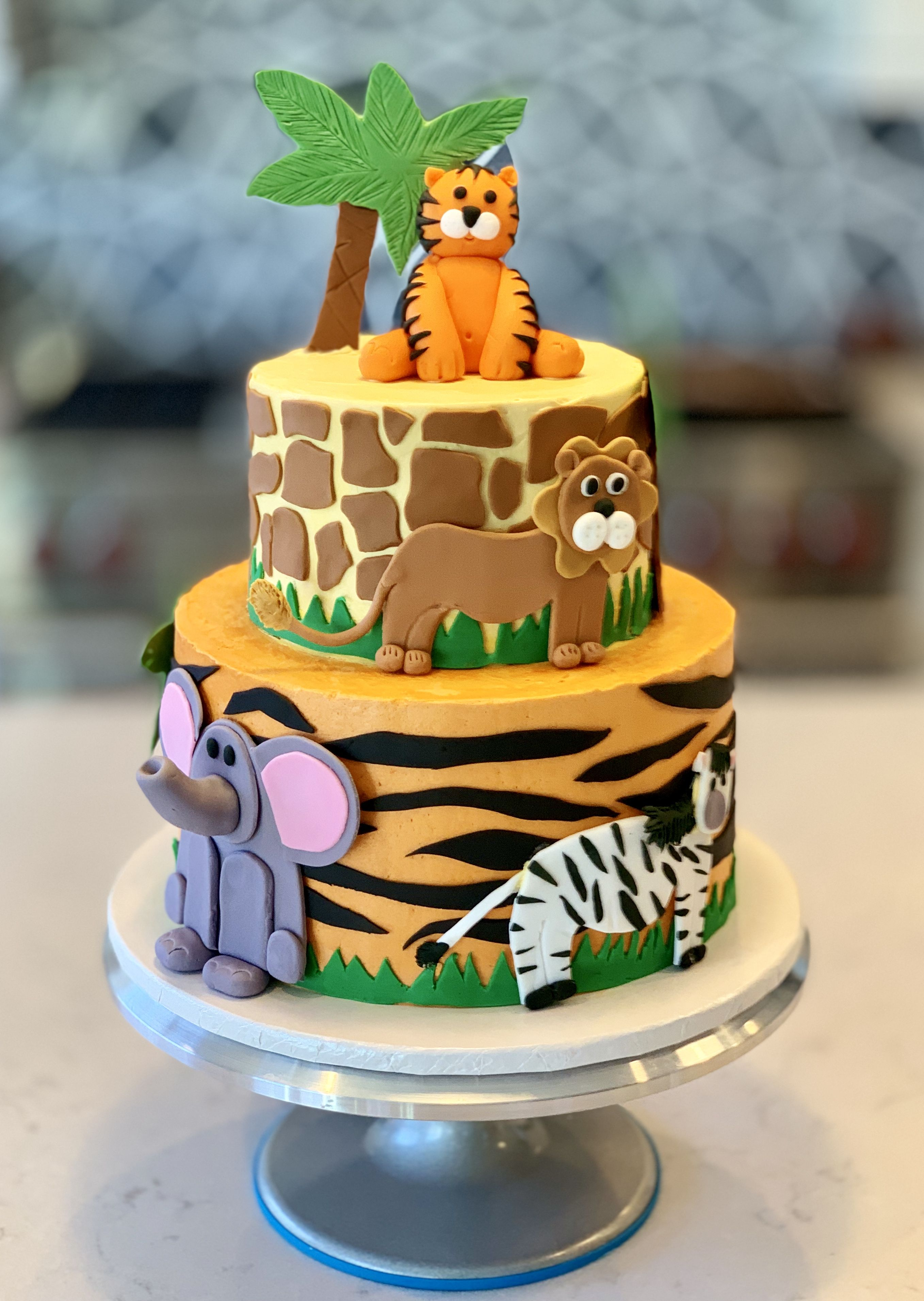 Adorable first birthday cake. Perfect for a little boy or girl ...