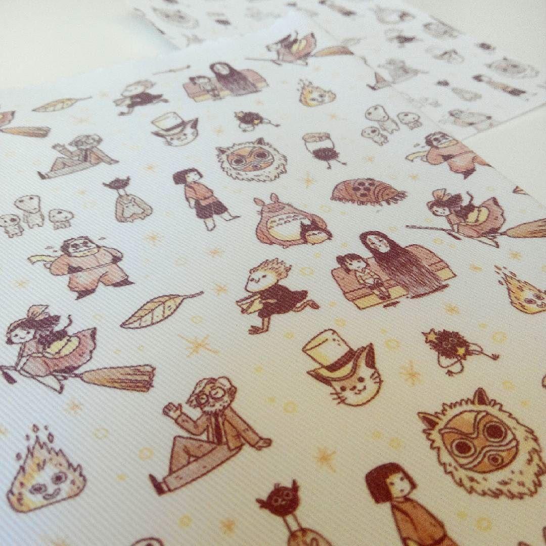 I designed a #Ghibli pattern (including #Miyazaki because he is the father of this amazing world) and @ilatela has printed it on amazing serge cloth. I will sew some handmade products they will be available soon on my Etsy shop stay tuned! /// Diseñé un estampado inspirado en los personajes de Ghibli (incluyendo a Miyazaki porque es el padre de todo ese maravilloso mundo) y el equipo de Ilatela lo ha imprimido en una sarga maravillosa. Coseré algunos productos totalmente a mano que estarán…