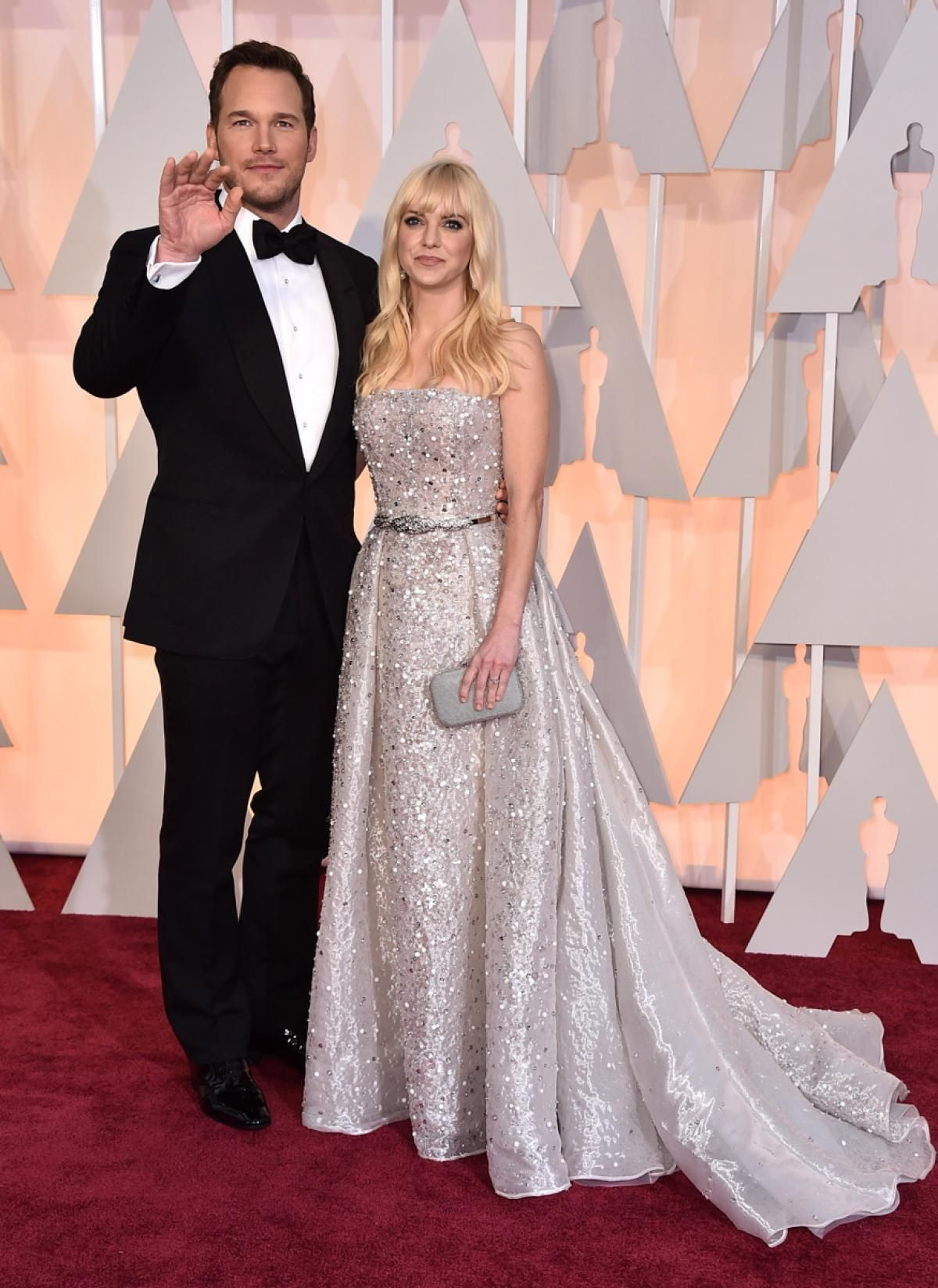 Anna faris wedding dress  Chris Pratt and Anna Faris  Photos  Oscars  Best and worst