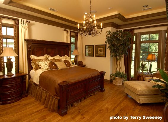 Awesome Master Bedroom Cream With Chocolate Trim