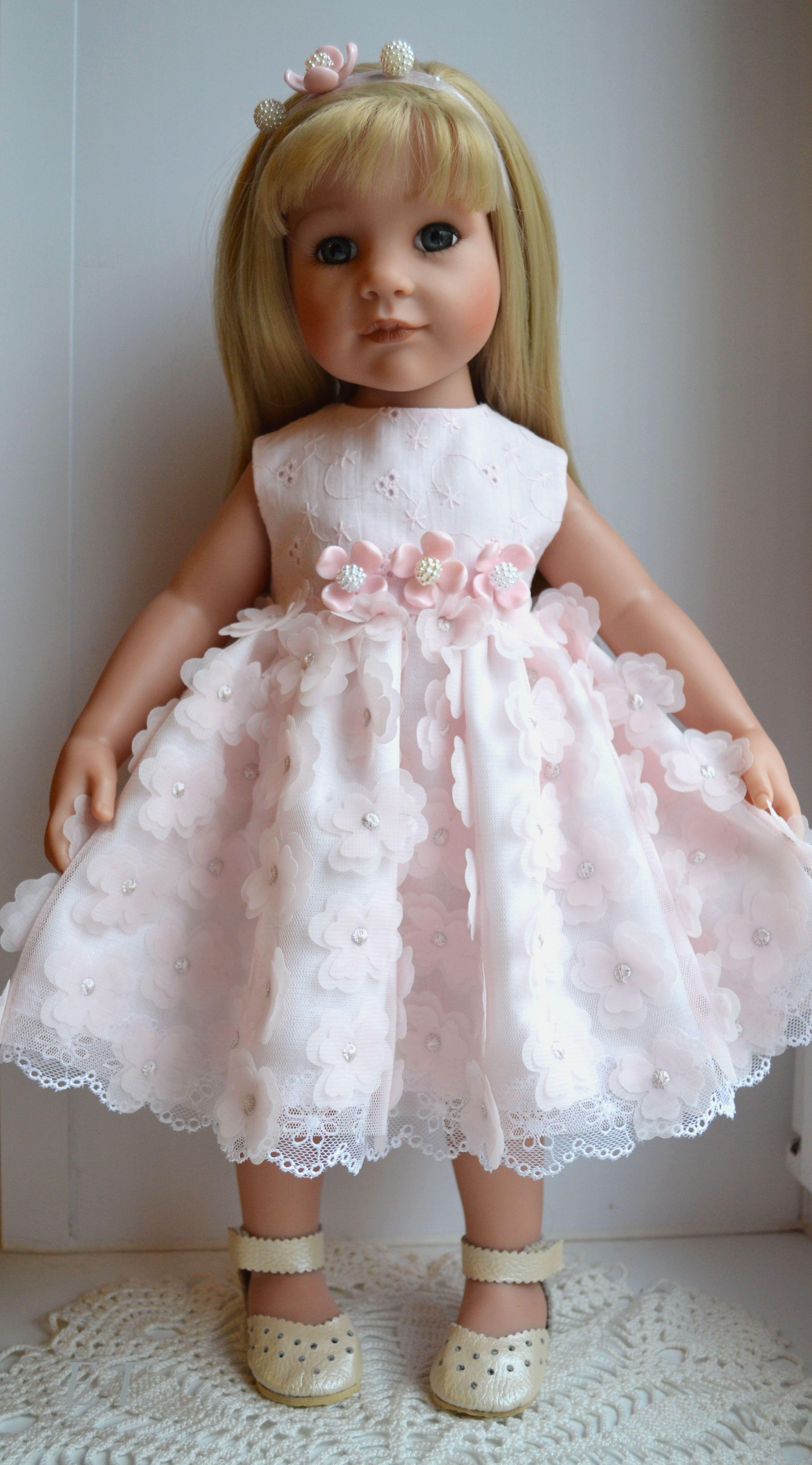Pin von Елена Галочкина auf Одежда для кукол | Pinterest | Puppen