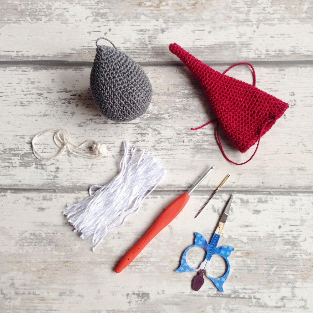 IMG_0115   Amigurumi minták ,   Pinterest   Christmas gnome, Crochet ...