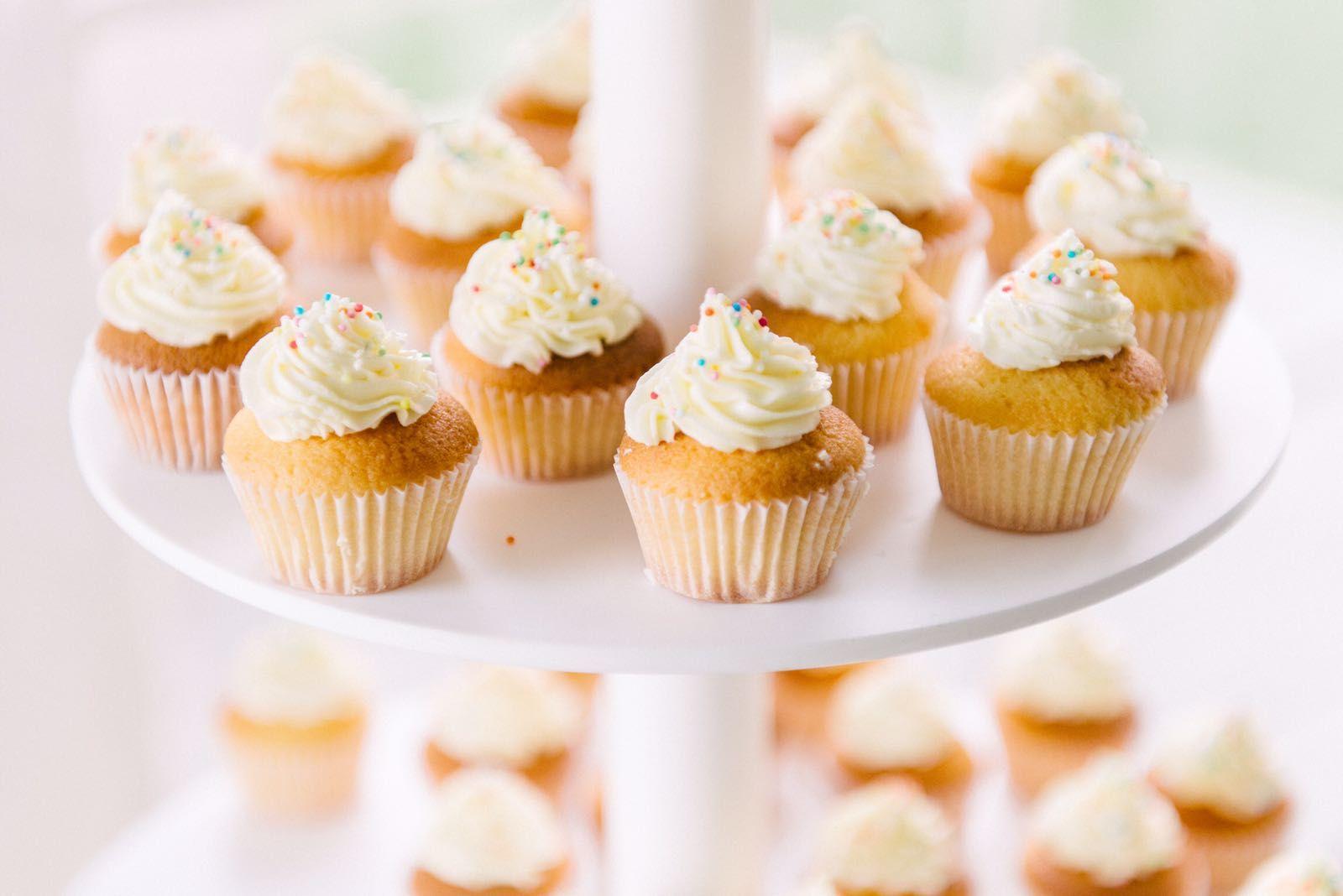 Discodip / sprinkles cupcakes!