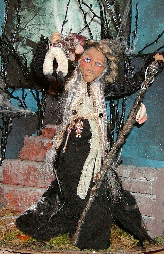 """Dollhouse Miniatures Halloween Witch,""""She's a Mean One"""