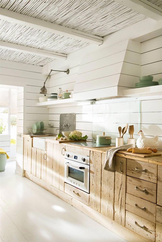 Cocina en blanco y madera #elmueble #cocinas ...